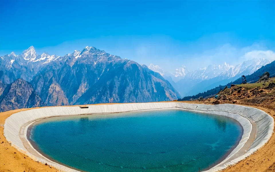 Auli City Which are best romantic getaways in India?