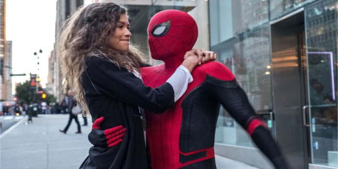 spiderman in far from home with his girlfriend